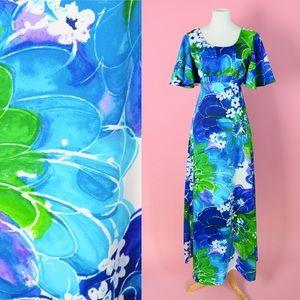 🐳 Vintage 70s Hawaiian Print Maxi Dress